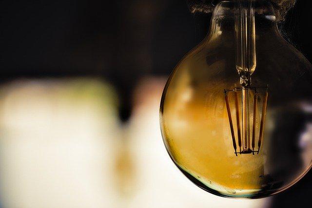 Light Lamp Energy Technology Idea  - OliveiraTP / Pixabay