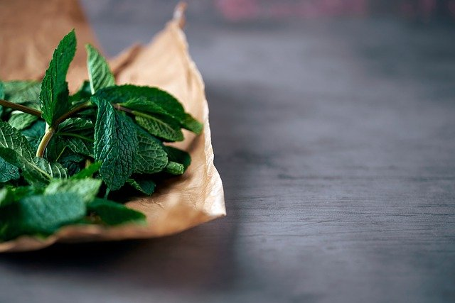Mint Leaves Herbs Fresh Food  - Gervele / Pixabay